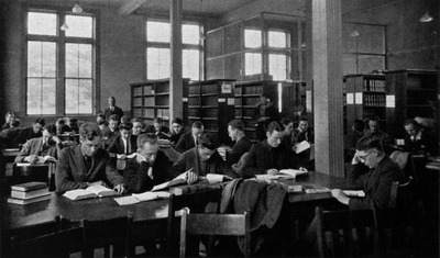 Law Library in Hoynes Hall c1920
